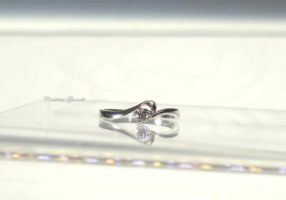 Anello Solitario diamante 24    € 380,00
